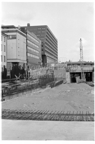 Construction of Klaratunneln under Brunkebergsåsen, Stockholm. (1971)