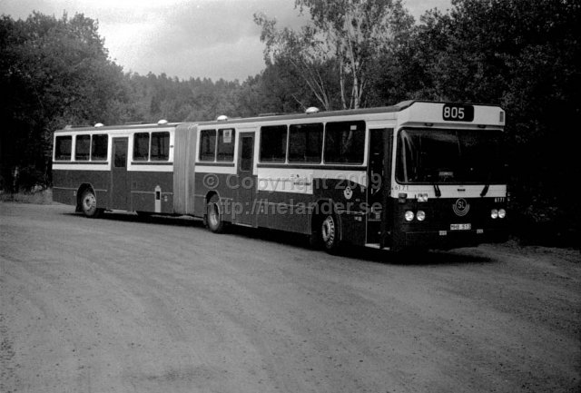 SL-bus nr 6171 at the turnaround at Tyresö slott, Stockholm. (1987)
